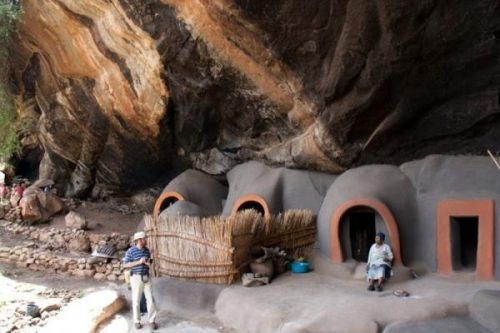 kome-cave-dwellings